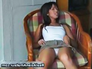 Little asian amateur plugs a huge dildo part6