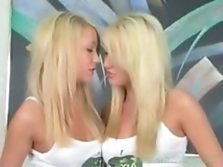 Hot Twin Sisters Show Off