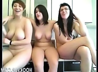 Three girls dancing on Cam - hookXu