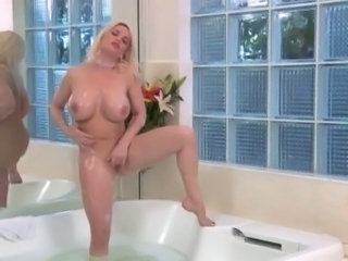 good fuck mature in bathroom