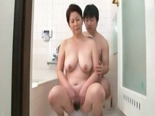 Mom Old and Young  Asian Mature Bathroom Bathroom Mom