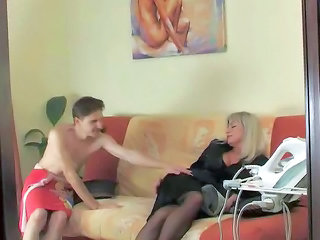 Mom Old And Young Stockings Mature Pantyhose Mature Stockings Old And Young