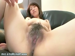 masturbating with mature japanese bush