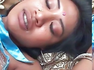 Nice indian loves fresh sperm in her hot throat