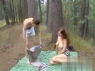 "Redheads Blowjob in the Woods with cum - Blasen im Wald"" class=""th-mov"