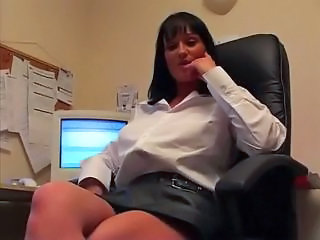 Donna masturbation in office