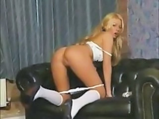 British slut Michelle Thorne in solo action