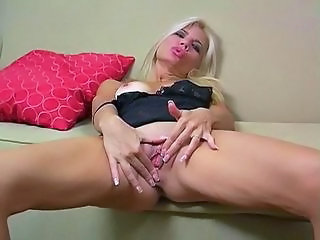 Masturbating  Pussy Jerk Masturbating Mom