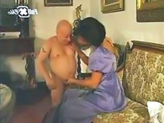 """Maria Bellucci and a midget"""" target=""""_blank"""
