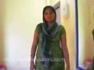 "housewife in salwar removing and geting naked in bed ..."" target=""_blank"