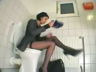 "Masturbation on Toilet by snahbrandy"" target=""_blank"