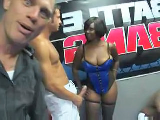 "White vs black porn cage bang part2 "" class=""th-mov"