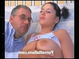 incesto italiano padre scopa figlia - Italian incest father fucks daughter free