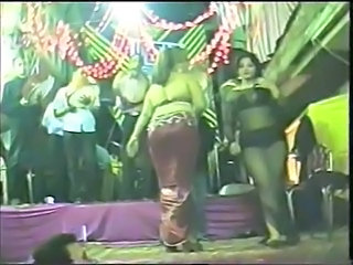 Amateur Arab Dancing Amateur Arab Public