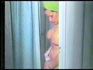 Showers MILF Vintage