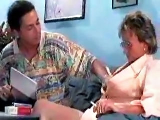 Smoking Mom Old and Young Anal Mom Doctor Mature Glasses Anal