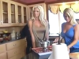Couples wife swapping in the kitchen Sex Tubes