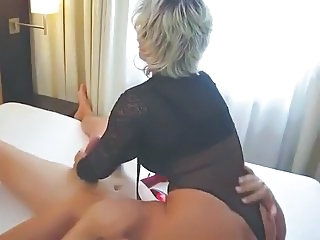 German Lady B masturbates in Berlin hotelroom