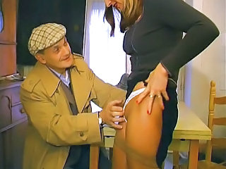 French Papy &; mature slut in the train