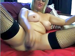 Hot Milf Masturbates With a Huge Dildos