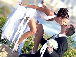 Bride Kissing Outdoor Babe Outdoor Bride Sex Outdoor