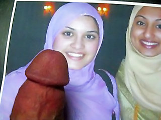 Cum On Face Of Two Pakistani Girls (pix)