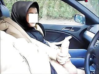 Turkish Car Handjob