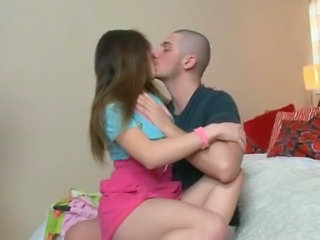 Teen Kissing Kissing Teen