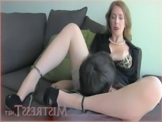 Mom  Licking Old And Young Pussy Licking