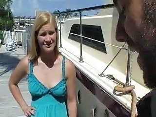 Public Girlfriend Teen Caught Caught Teen Girlfriend Teen
