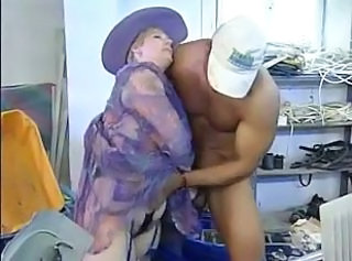 Oldtimer - Fisting Mature Hairy Lady