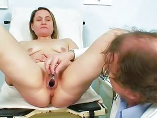 Doctor European MILF Gyno