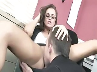 Secretary with a nice ass gives her boss a good hot fucking