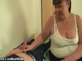 Busty mother in law gives her pussy free