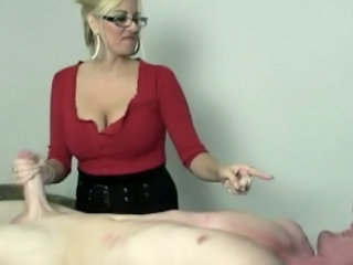 Blonde Mature With Glasses Jerki...