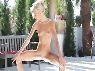 Pissing Outdoor Skinny Outdoor