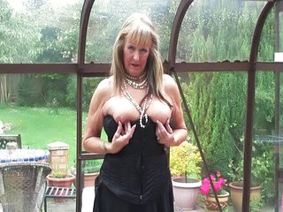 Stripper Mature