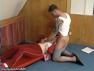 Blowjob Mature Mom Housewife Mature Blowjob Old And Young