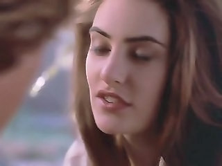 Madchen Amick - walkers