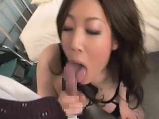 Japanese woman swallows 15