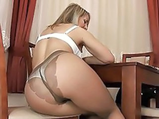 http%3A%2F%2Fwww.sunporno.com%2Ftube%2Fvideos%2F457921%2Fsexy-blonde-cougar-in-pantyhose-stripping-and-teasing.html
