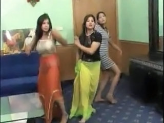Belly dancers lesbo