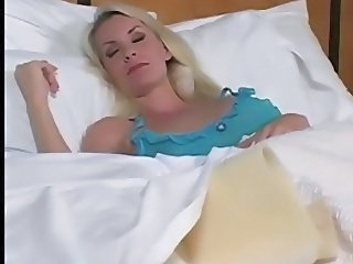 Sleeping MILF Aunt Jerk