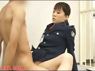 Japanese Model Gets Oral In J...