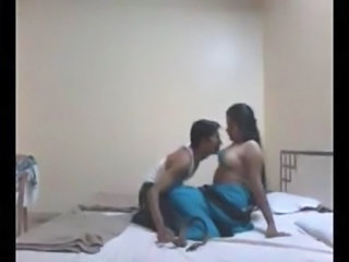 Desi Bhabhi Hardcore Sex with Young Devar 33 Mins full video free