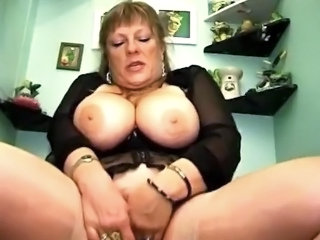 Sexy hot BBW in true hardcore fun.