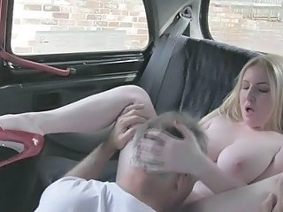 Oudoor hot sex with my sexy passenger Georgie