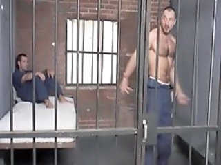 http%3A%2F%2Fxhamster.com%2Fmovies%2F672628%2Fmuscle_bear_in_cage.html