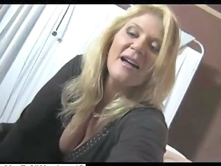 Hot Milf Gives Great Handjob