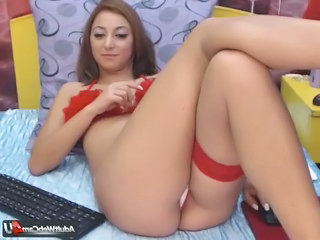 Watch Leylasquirt Using Toys